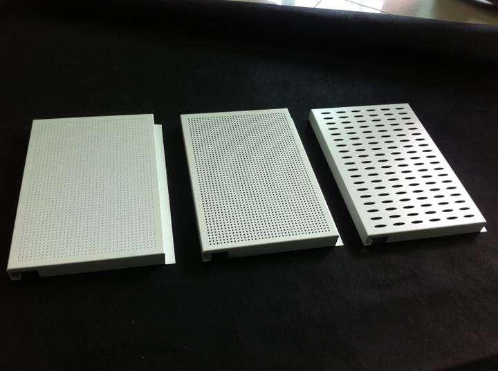 冲孔氟碳铝单板效果图